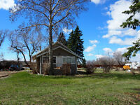 Affordalbe Acreage Between Red Deer and Innisfail!