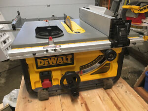 DeWalt Table Saw (DWE7480) - Excellent Condition w/ New Blade