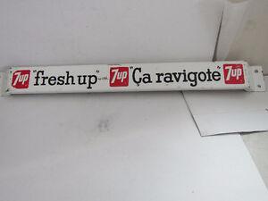 rare seven-up push- bar  '' LÉTTRÉ  EN NOIR ''émaillé 1950's