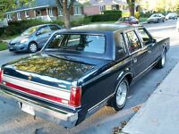1989 Lincoln Town Car Signature Series