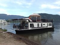 Private houseboat for rent