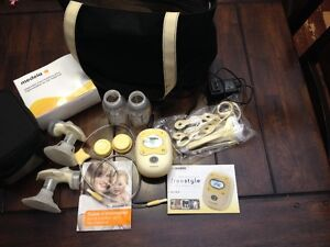 Tire lait Freestyle Medela breast pump