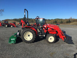 40HP DEMO UNIT , THE BOSS IS DUNE TILLING YOU SAVE !!