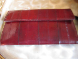 Buxton Leather Eelskin Bordeaux Red Wallet New Rare