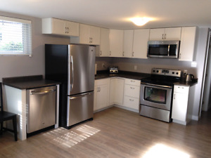ATTENTION UWO STUDENTS - ALL NEW - 3 BED/1 BATH