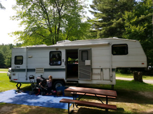 Trade for motor home! 1997 27ft 5th wheel with power slide