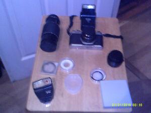 Camera 35 mm Pentax K1000 et accessoires