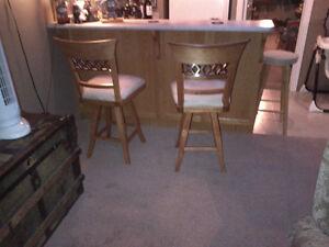 Kitchen counter or Bar Stools
