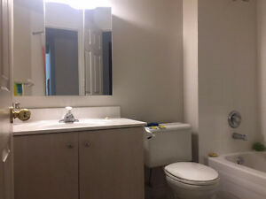 All Inclusive room for rent - Female, one room in 2b2b