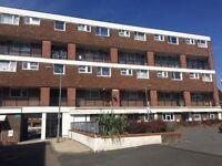 2 bedroom flat in Clarence Lane, Roehampton, SW1