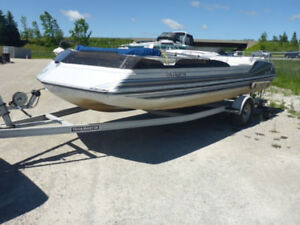 1992 Sun Chaser 20 Ft Deck Boat