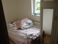 Single box room for female £300/month
