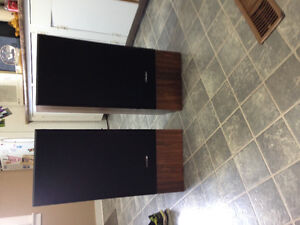 2 very nice kenwood home speakers