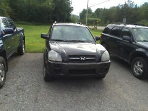 05 HYUN TUCSON CERT TAXS WARRANTY ALL INCL IN PRICE 3729.00
