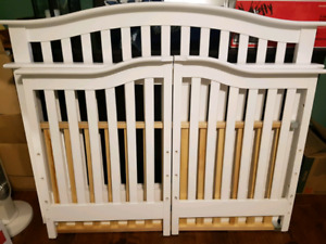 Shermag white solid wood convertible crib