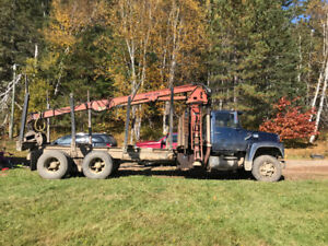 1987 ford truck and log loader