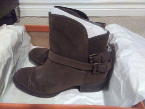 New in box rocket dog boots.