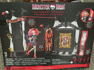 New! Monster High circus scaregrounds set with doll Kitchener / Waterloo Kitchener Area image 3
