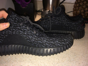 Yeezy 350 Colour Pirate Black