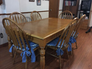 Oak Kitchen Table and Chairs (6)