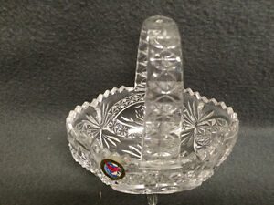 "Collectible Antique 4 Toed Crystal Footed Dish "" The Byrdes "" London Ontario image 7"