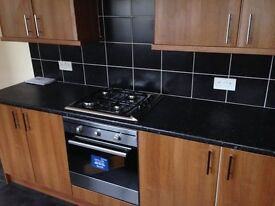 Newly decorated 3 bed upper flat in swalwell, unfurnished, new kitchen and bathroom