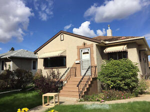 """FREE RENT!!! 6-BDR JUST"""" RENOVATED HOUSE- NAIT&KINGSWAY&DOWNTOWN"""