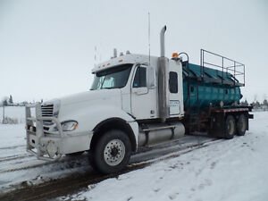 2007 FREIGHTLINER CL120 TANK TRUCK AT www.knullent.com