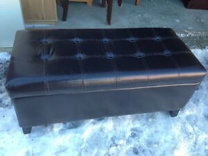 Beautiful Leather Storage Ottoman Entryway/Hallway Bench
