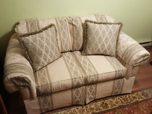 * Love Seat in Excellent Condition *