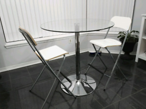 """36"""" Round Coffee Table with 2 high chairs"""