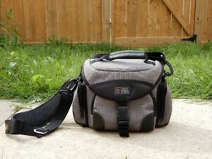 Grey Camera Bag like new lots of pockets Brampton $25.00