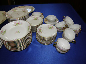 WM Guerin Limoges Large set of Dinnerware for 12 settings people Kingston Kingston Area image 2