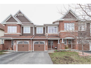 Executive 3 bed/3 bath Townhome in Barrhaven For Rent