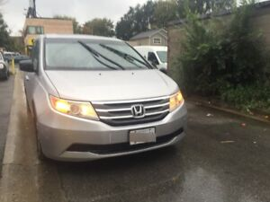 2011 Honda Odyssey EXL -LEATHER INTERIOR-WINTER TIRES INCLUDED