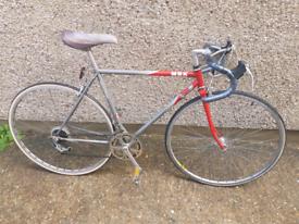 """MBK ROAD BICYCLE, 700C wheels, 20"""" FRAME. Cr0 6jp."""