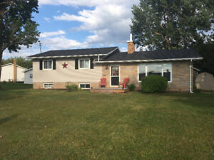 A Must See!! - Meadow Heights Area