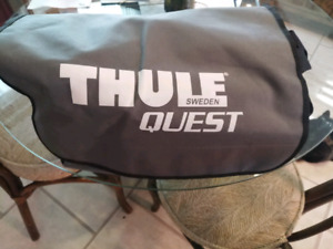 Thule Quest roof bag with carrying pouch