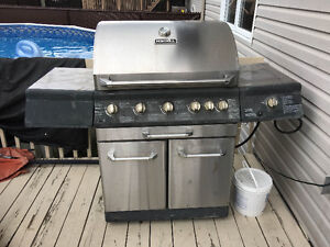 bbq stainless worth 1500$, 5 burners,