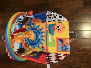 LAMAZE baby gym with music on/off and small mirror