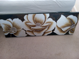 Brown/ white flowers on brown background canvas picture