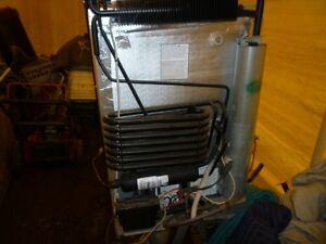 Réfrigerateur Frigidaire pour roulette RV Gaz electrique
