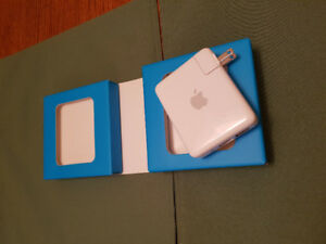 Apple AirPort Express Base Station A1084.