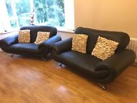 2 DESIGNER TWO SEATER BLACK LEATHER SOFAS SUITE £120 ono
