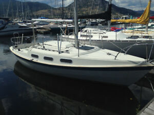 Sailboat for sale with moorage in Penticton Marina