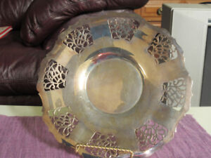 Wm Mounts Silver Plate Serving Tray - very nice