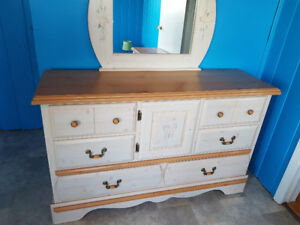 Dresser w mirror and night table