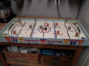 1957 Munro H6 Hockey Master Table Hockey Game - Excellent !!!