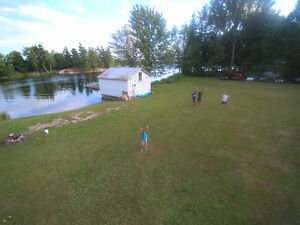 Waterfront home 20 min. North of 401 1/2 hour to Napanee