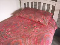 Two single duvet sets and cushions